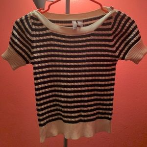 Cute old navy top, 100% Cotton